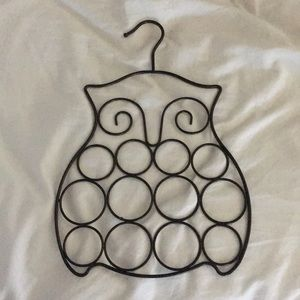 12-hole owl scarf hanger
